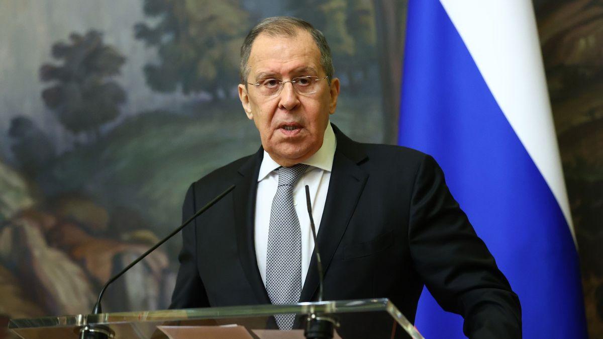 Lavrov: Moskva by na čas měla přestat mluvit sEU