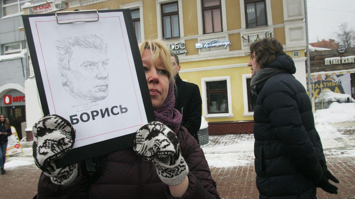 Novinářka se upálila zaživa. Zmojí smrti viňte Ruskou federaci, napsala