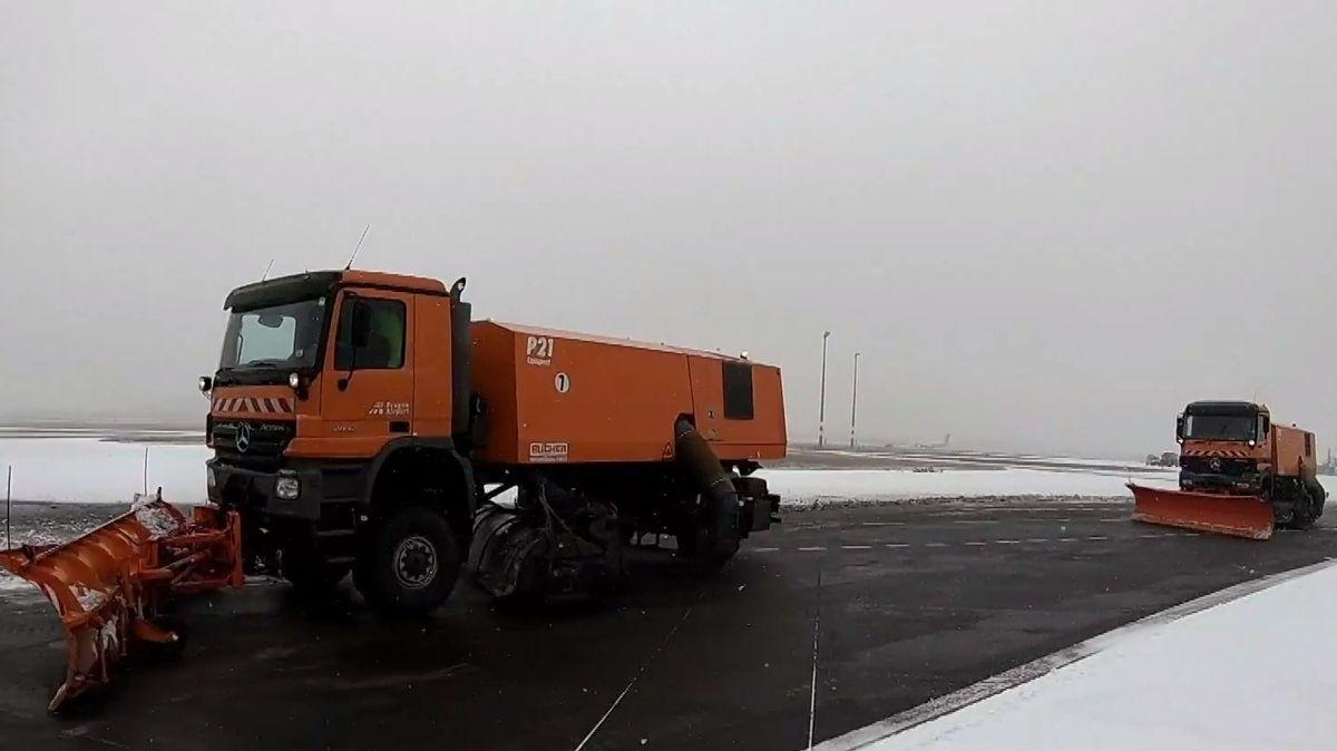 Předpověď počasí: Ve zbytku týdne ustoupí sníh a o víkendu se do Česka podívá jaro
