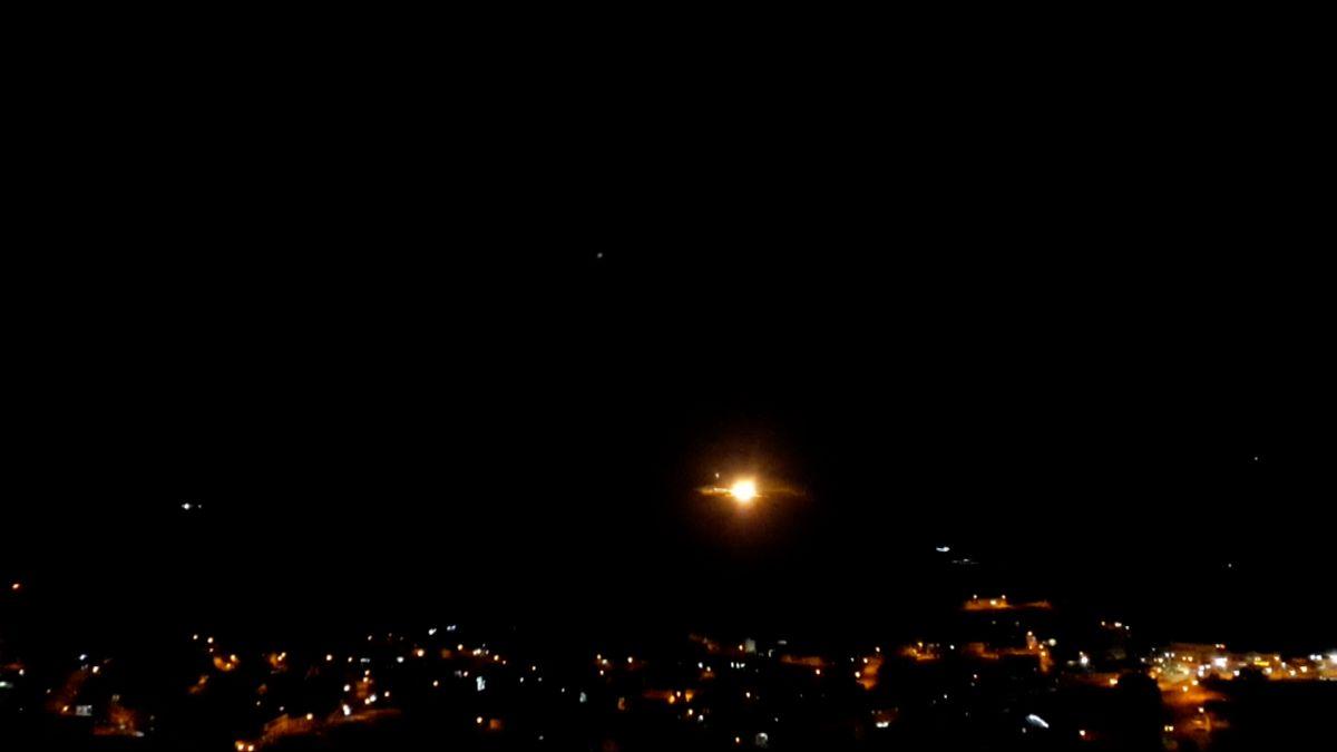 Izrael zaútočil na vojenskou základnu a továrnu na zbraně v Pásmu Gazy