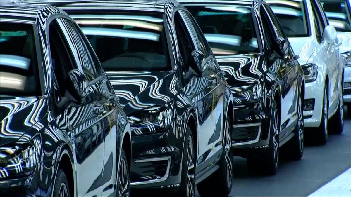 """""""Kvůli elektromobilům nepadneme."""" Firmy se knávrhu Bruselu staví odvážně"""
