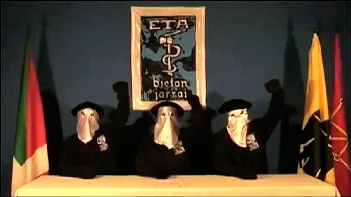 Separatistická ETA oznámila své rozpuštění. Za nezávislost Basků bojovala více než 50 let