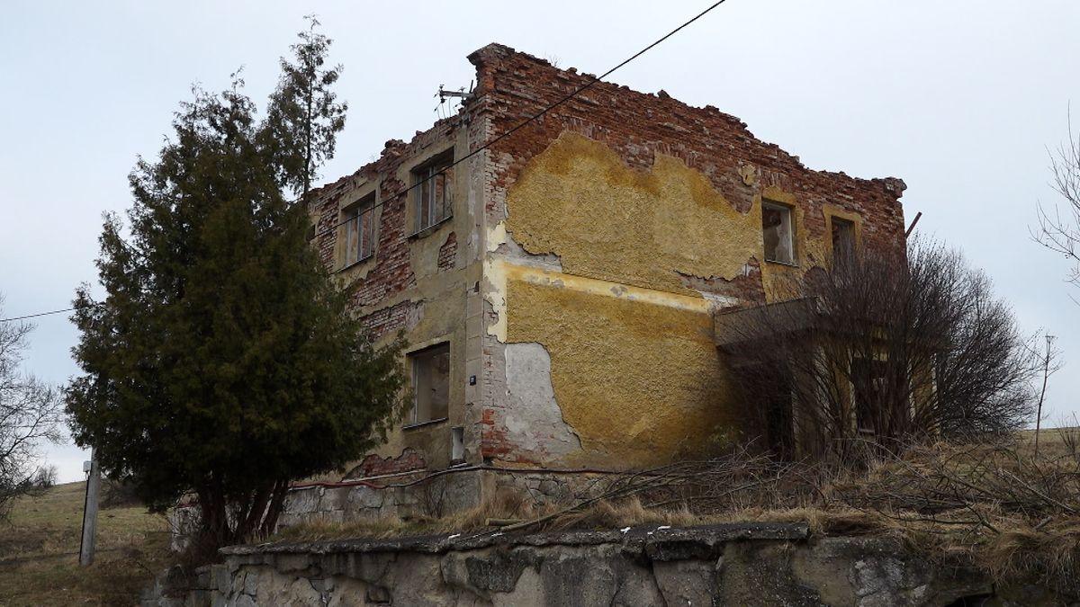 Nejzadluženější obec v Česku má pod zemí poklad, který je jí k ničemu