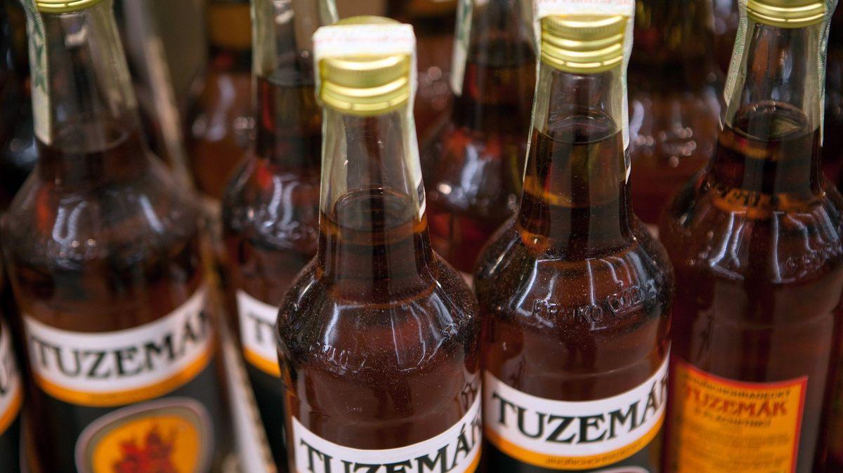Tuzemák se bude v Česku vyrábět dalších pět let s tradiční chutí. Evropská komise udělila výjimku