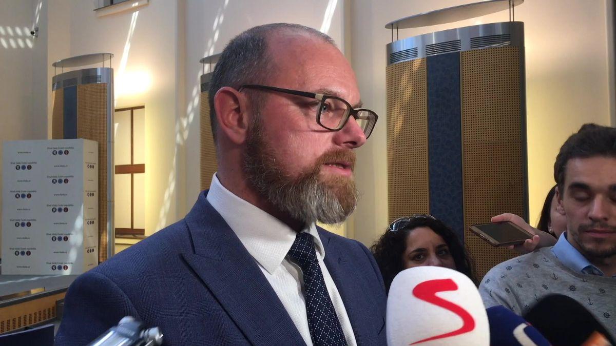Ministr Plaga k průšvihu v přijímačkách: Prověřujeme 234 gymnázií, pak budeme řešit Cermat
