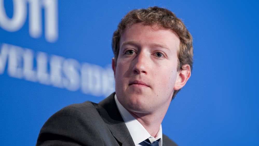 Po sérii skandálů Facebooku přešel Mark Zuckerberg do protiútoku. Chce víc regulací