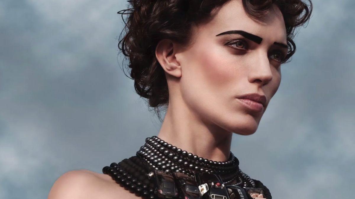 """Stylistka, která dobyla svět modelingu: """"Nikdy jsem modelkou být nechtěla,"""" tvrdí Olo Křížová"""