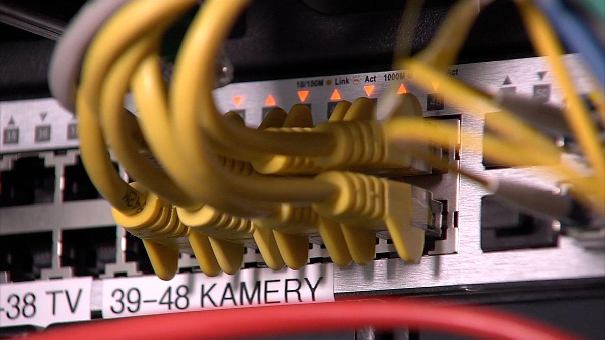 Evropská komise připravuje nová pravidla pro vyčištění internetu od teroristické propagandy