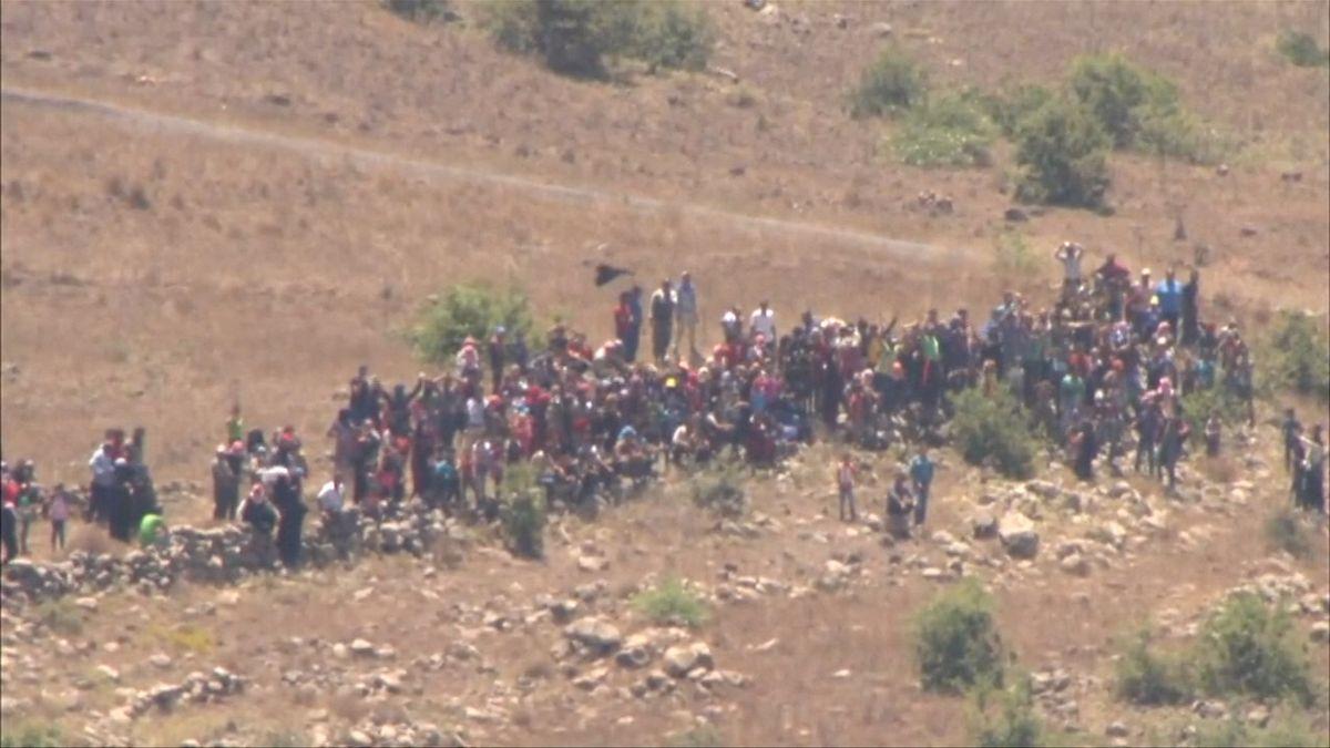 Desítky Syřanů přišly prosit o pomoc k izraelské hranici. Vojáci je poslali zpátky