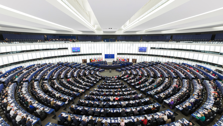 Online: Europoslanci drtivě schválili usnesení proti Babišovi