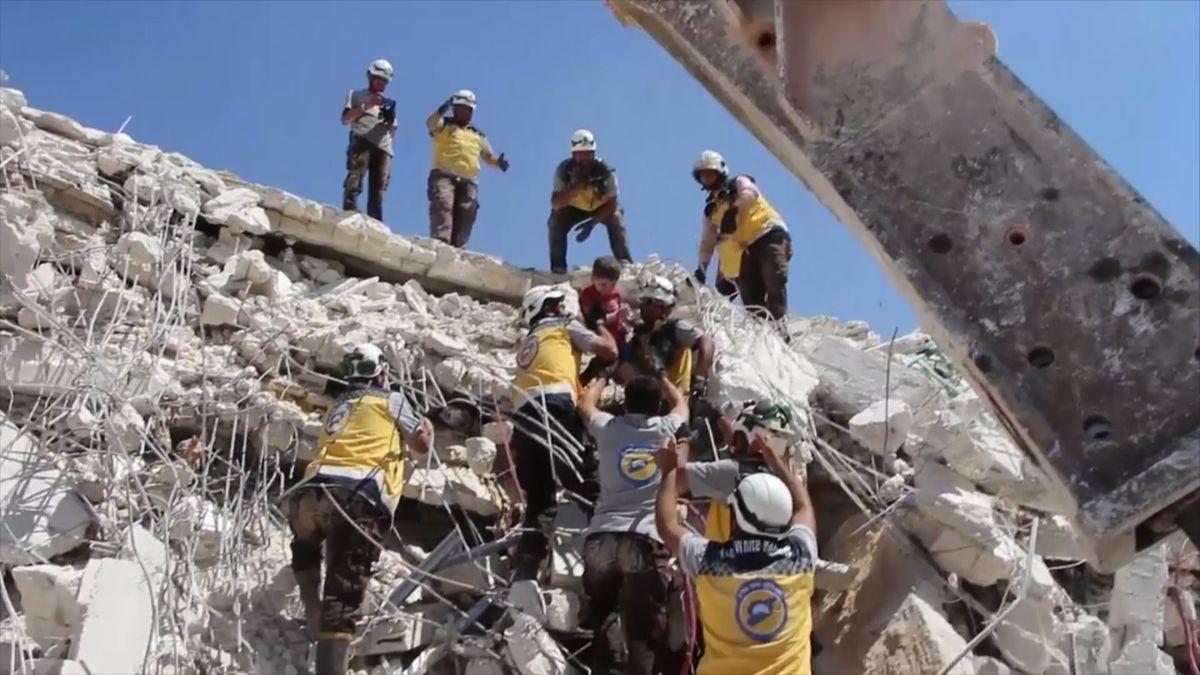 Nedělní exploze muničního skladu v Sýrii má podle nové bilance 69 obětí