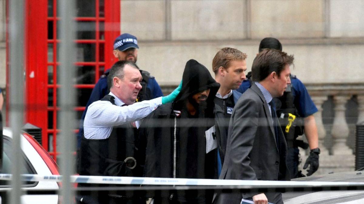 Muž, který chtěl minulý rok zaútočit na britský parlament, dostal doživotní trest