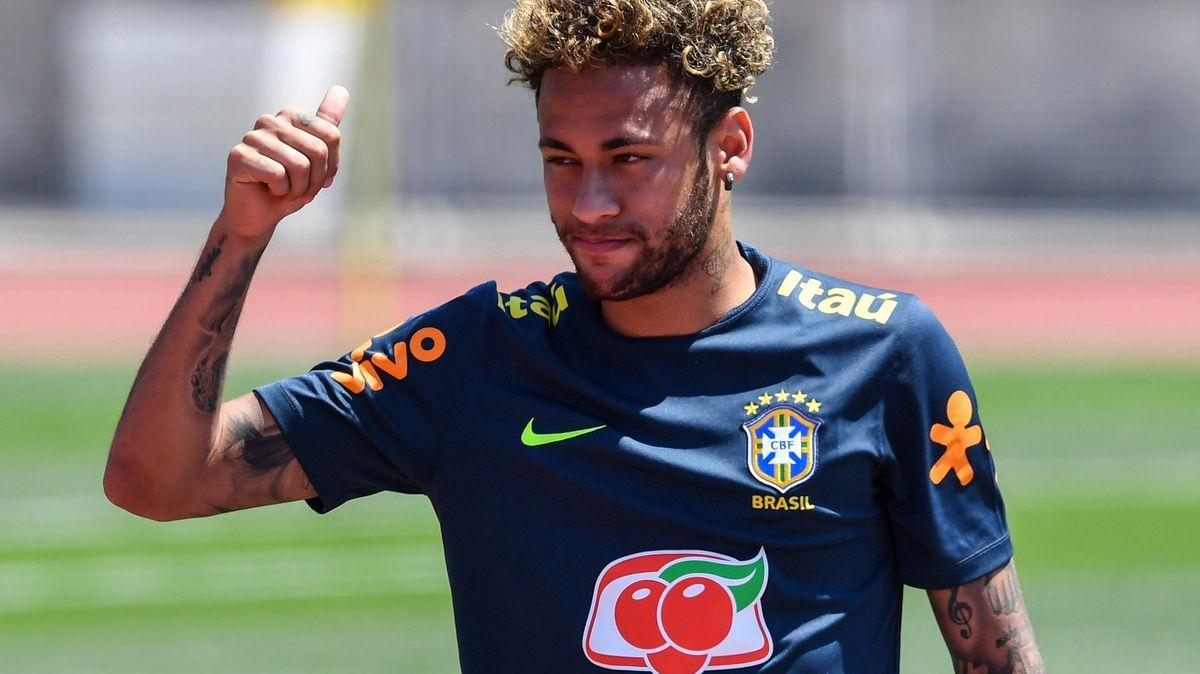 Ruská říše hostí turnaj snů s Neymarem, Ronaldem či Messim. Všechny ale může zastínit zázračný chlapec