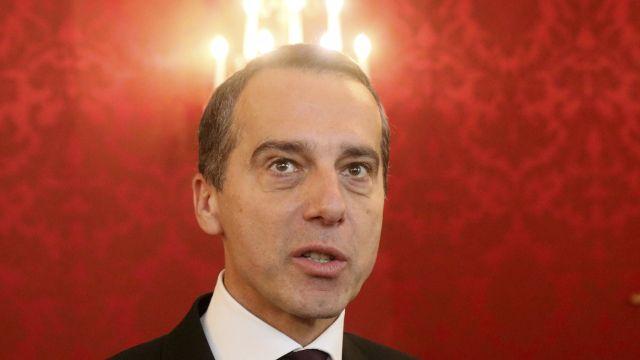 Šéf rakouských socialistů Kern oznámil odchod zpolitiky