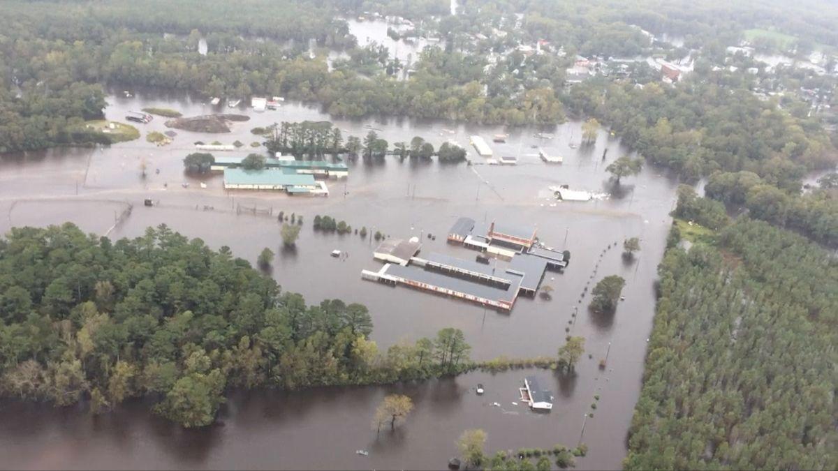 Hurikán Florence zabil na východním pobřeží USA 17 lidí, to nejhorší Severní Karolínu ale teprve čeká