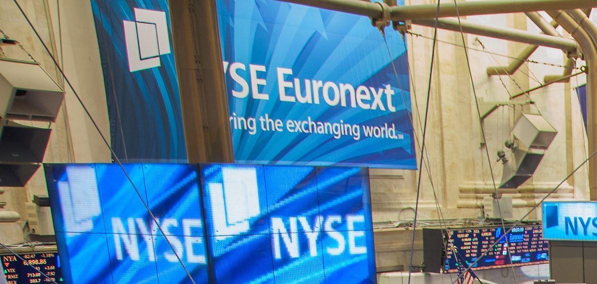 Pražská burza končila závěrečným sprintem akcií Erste, která zvýší dividendu