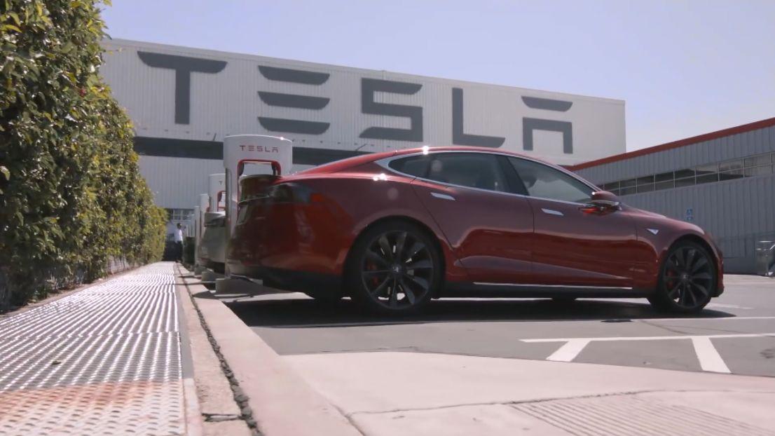 Tesla hlásí rekordní příjmy, nejvíce poptávané byly její modely 3a Y.