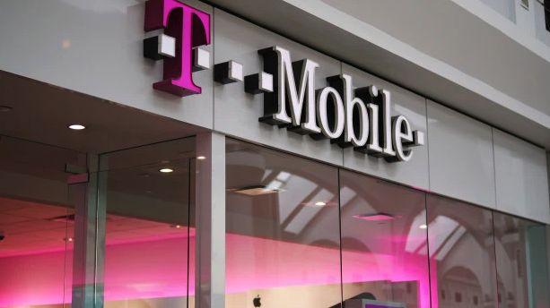 T-Mobile neinformoval klienty omasivním úniku osobních dat. Argumentoval slibem mlčenlivosti