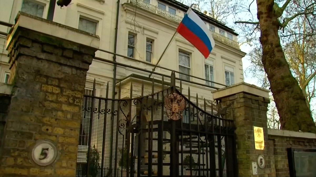 Ruská ambasáda vLondýně byla vdobě útoku na Skripalovy aktivnější