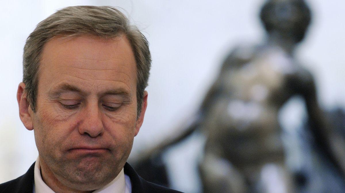 Bývalý ministr Vondruška dostal roční podmínku za zneužití poukazů agentury CzechTourism