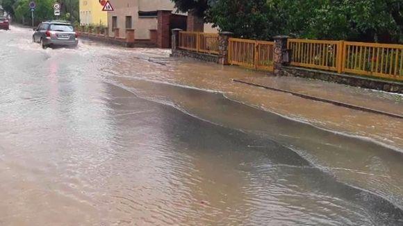 Přes jih Moravy se přehnaly bouřky, přívalové deště vytopily sklepy idomy