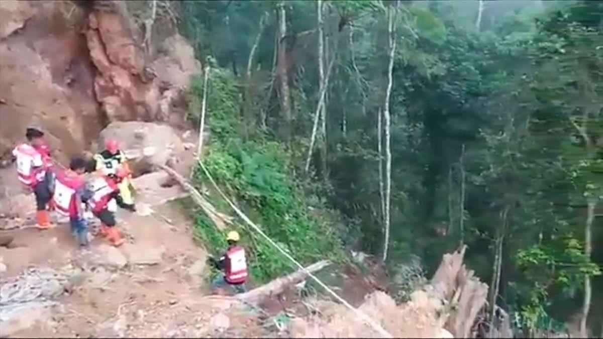VIndonésii se zřítil ilegální důl na zlato a zavalil 60lidí, neštěstí si vyžádalo zatím tři oběti
