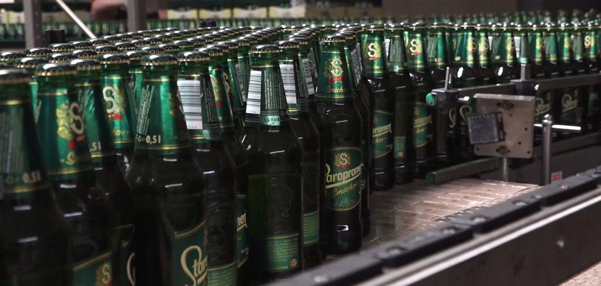 Už brzy se vypije víc českého piva vcizině než unás, říká šéf Staropramenu