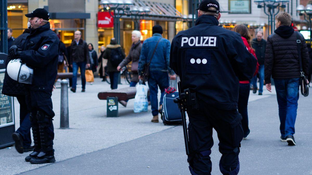 Podvodníci se vydávali za policisty, od důchodců získali přes 20milionů korun