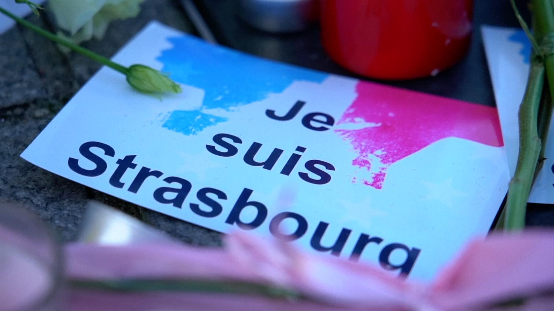"""Většina obyvatel Štrasburku raději nevychází zdomu, Francie chce střelce dopadnout """"živého, či mrtvého"""