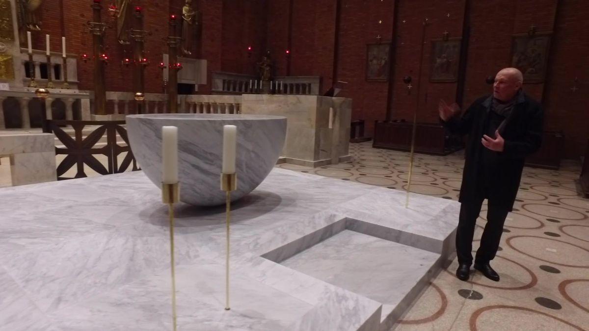 Jak jsme našli správný mramor, bylo vyhráno. Architekt Josef Pleskot ostavbě oltáře pro Plečnikův kostel