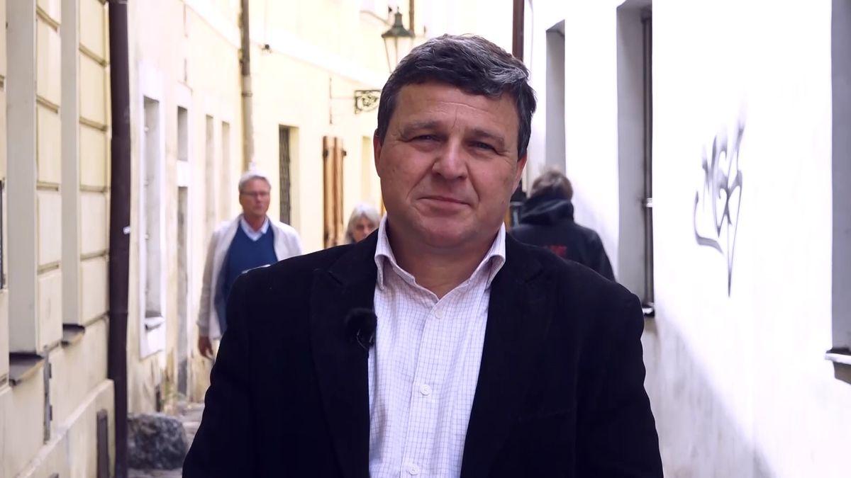 """""""Mohla by být vČesku zvolena prezidentkou žena?"""" ptá se ve své glose sociolog Jiří Přibáň"""