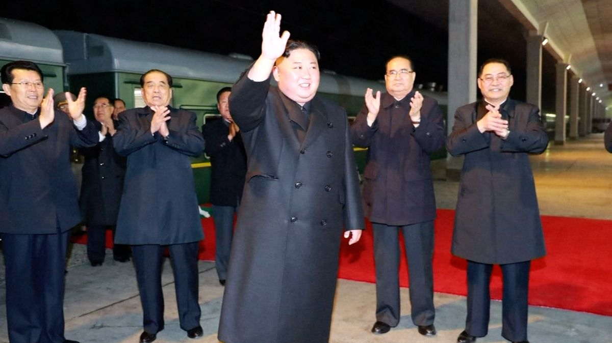 Kim Čong-un dorazil do Ruska, ve čtvrtek má jednat sPutinem