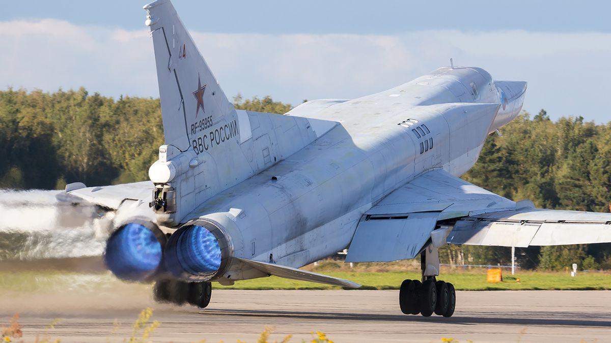 Rusko rozmístilo na Krymu strategické bombardéry Tu-22M3