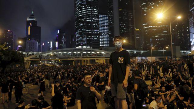 VHongkongu údajně protestovalo osmkrát víc lidí, než podle teorie stačí ke svržení vlády