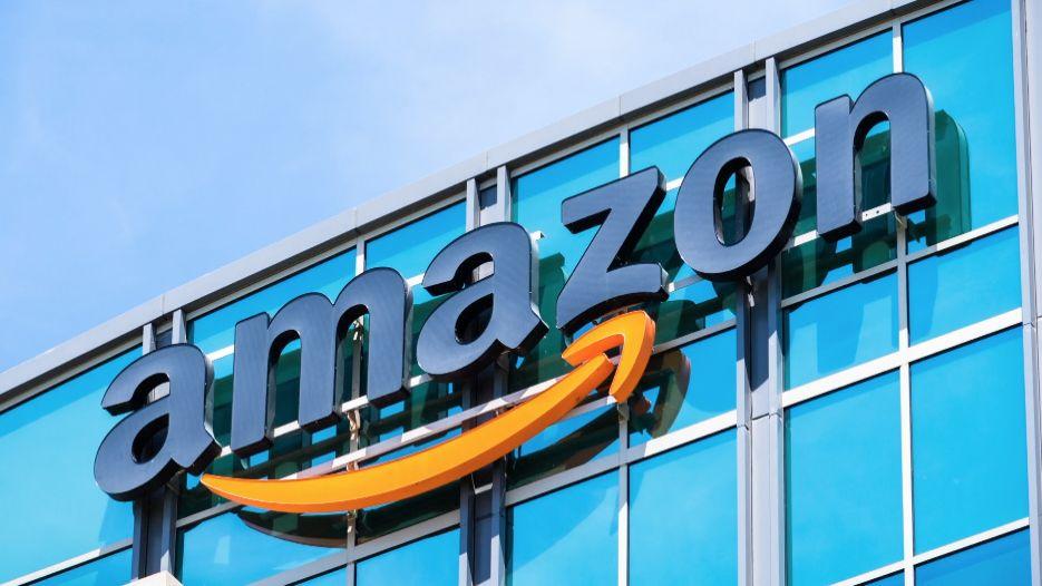 Zaměstnanci se bouří. Amazon jim nedal volno na prezidentské volby