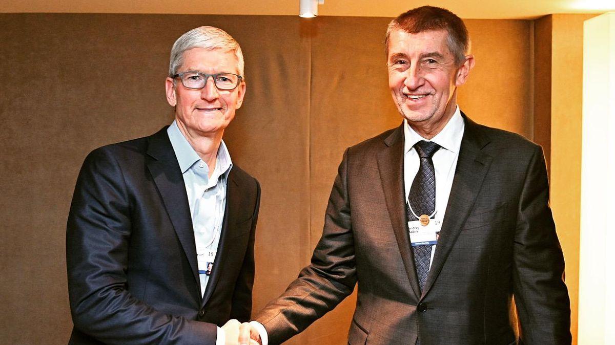 Glosa: Bojujeme za Apple Store pro naše lidi. Rok první