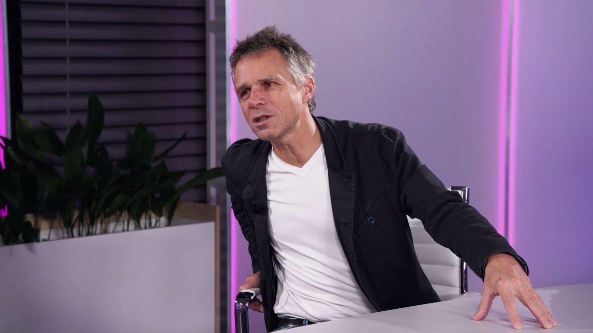 Hudebník Ledecký se bude právní cestou bránit označení za dezinformátora