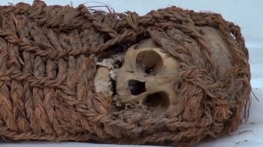 Kořist antropologů. USA vrací Peru 2000let starou dětskou mumii