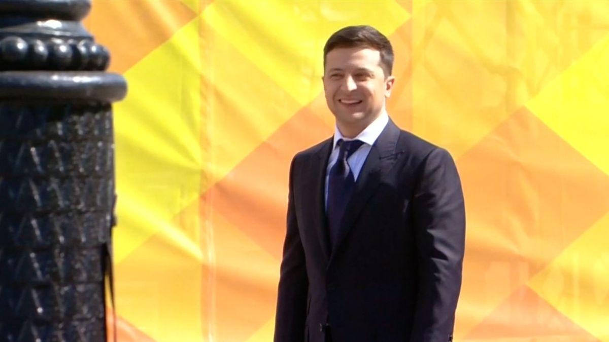 Jedenáct dnů ve funkci. Nový ukrajinský prezident stihl rozpustit parlament ivrátit občanství Saakašvilimu