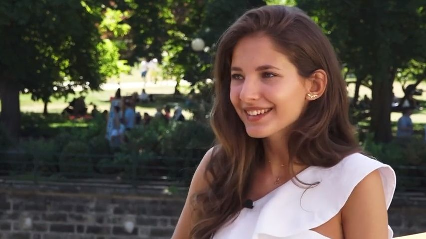 Herečka Sara Sandeva se vnové pohádce promění ve zlou čarodějnici