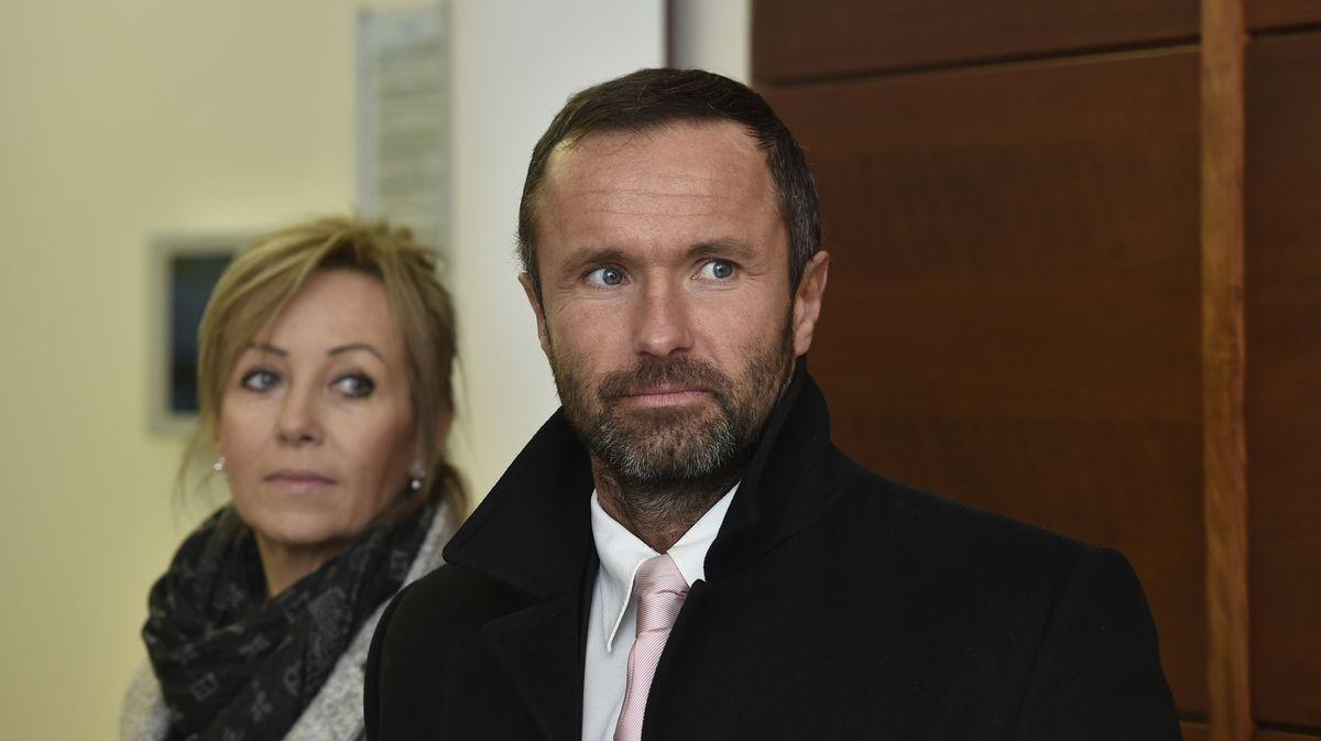 Rodina Nečesaných žádá další odškodné. Nyní za stíhání vkorupční kauze