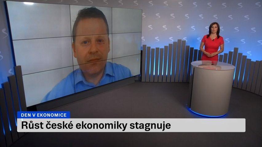 Platy Čechům stále stoupají nadprůměrně. Růst ale zpomalil
