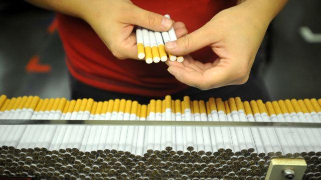 Zdražení cigaret vyvážilo nižší prodej. Největší prodejce tabákových výrobků vČesku vydělává