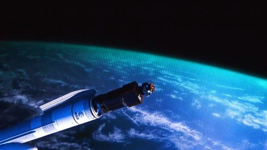 """Části kosmických raket vznikají vnové hale vKlatovech. Podívejte se do """"české NASA"""""""