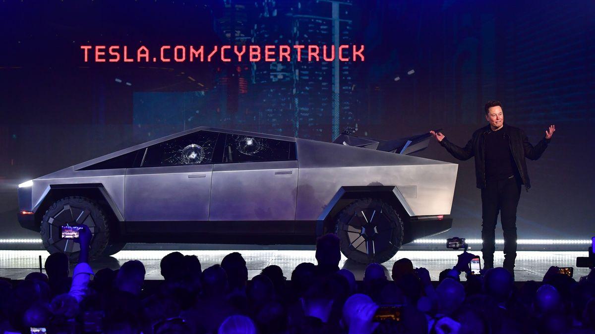 Elonu Muskovi se kvůli Cybertrucku vysmála iŠkodovka