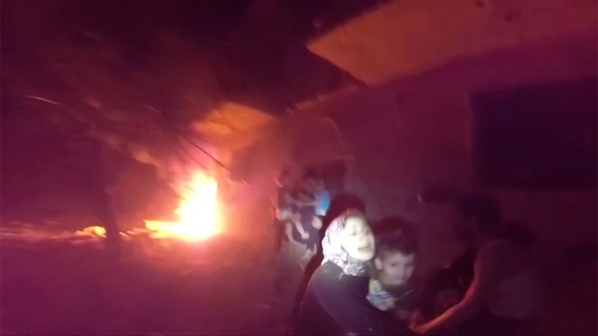 """Syrové svědectví ze Sýrie: """"Lidé mizí. Bombardují nás každý den. Iteď, když spolu mluvíme."""""""