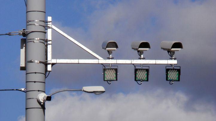 Kamery vPlzni sledují křižovatky, hned odhalily 20průjezdů na červenou