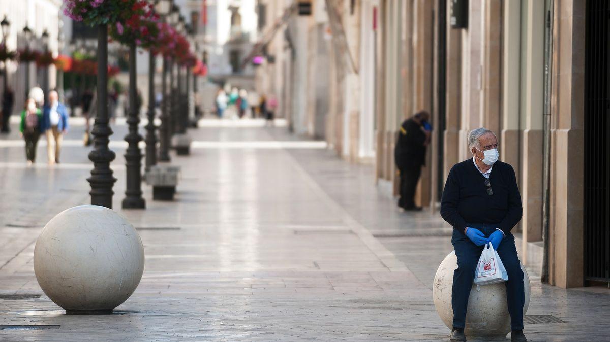 Jen pět procent. Španělsko se na kolektivní imunitu spoléhat nemůže