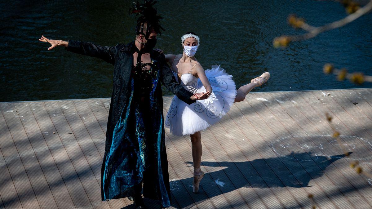 Sólisté Baletu Národního divadla tančili mezi Rembrandtovými díly