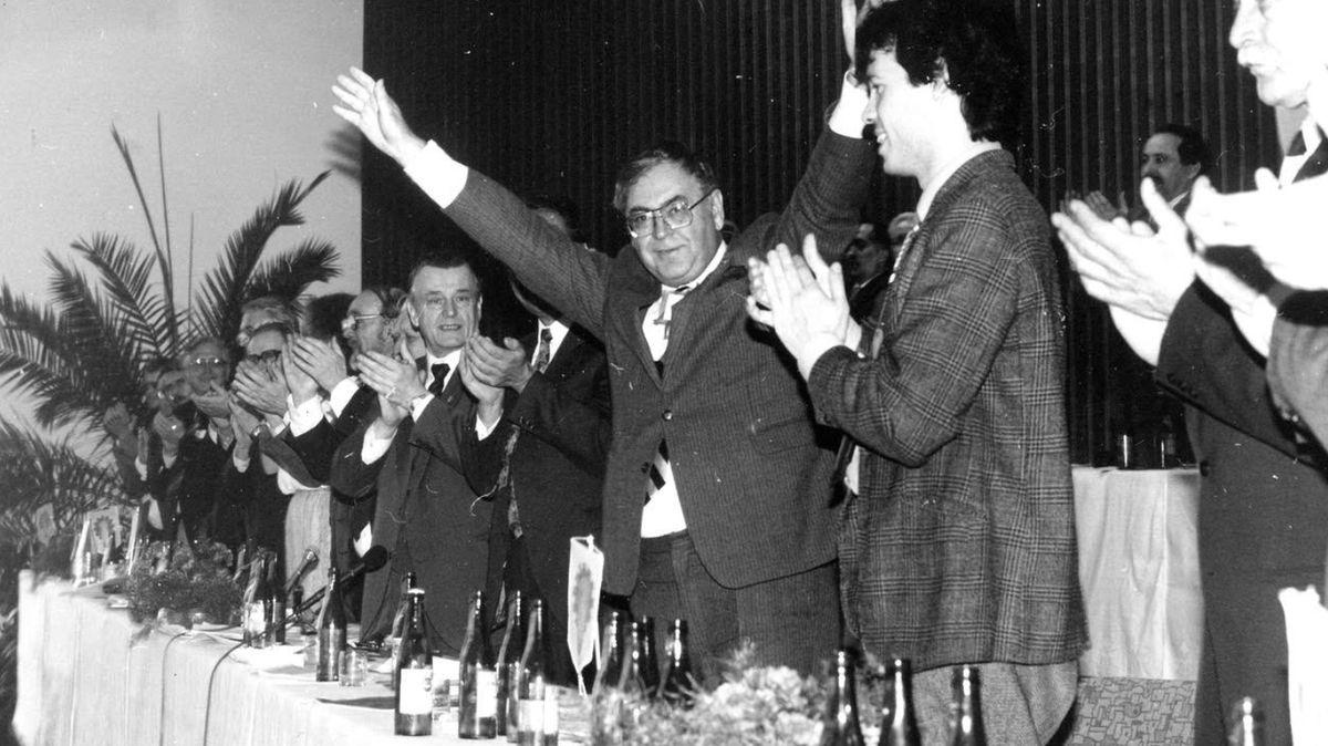 Jak byla obnovena sociální demokracie? Vše začalo typicky: hádkou